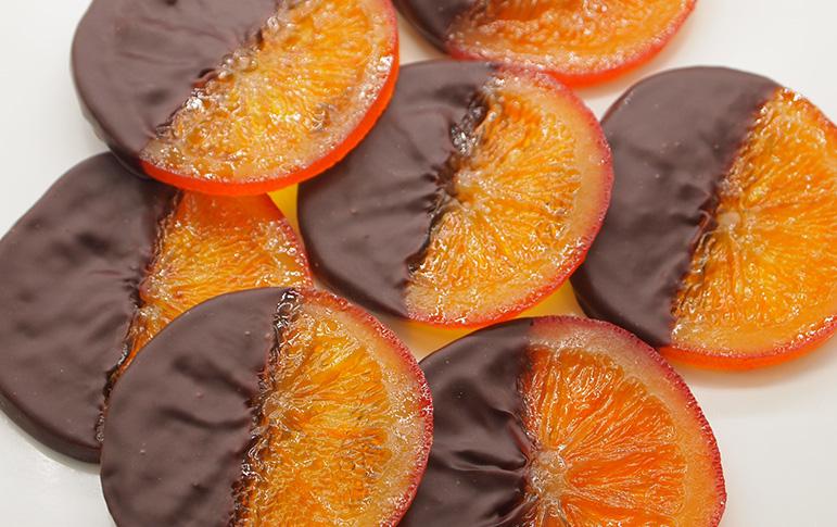 スペイン産オレンジの砂糖漬けにビターチョコレートのイメージ