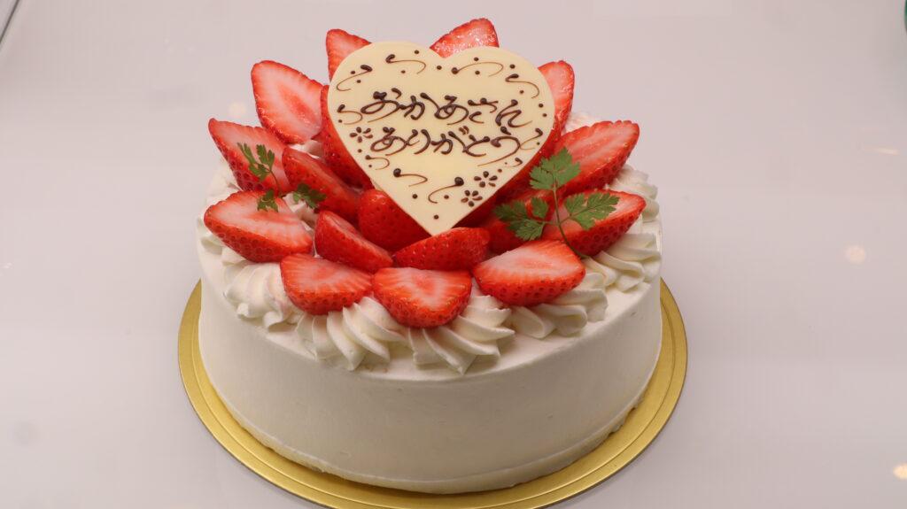 母の日♥ 苺のデコレーションケーキのイメージ